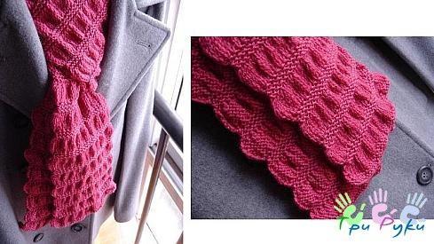 Красивый вязаный шарф спицами