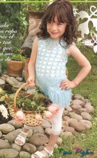Нежно-голубое ажурное платье для девочки (2)