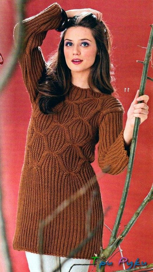 Пуловер из полупатентного узора