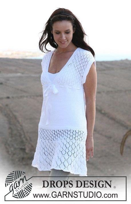 Белое вязаное платье drops