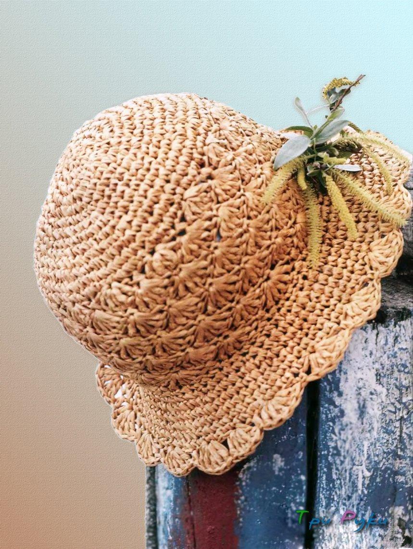 Шляпка из рафии