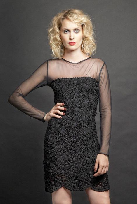 Черное платье и ткань