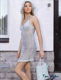 Летнее платье спицами в сетку