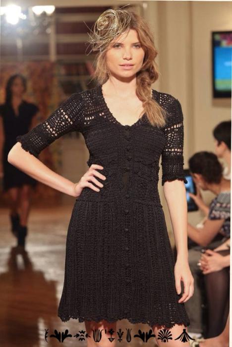 Черное платье Vanessa Montoro