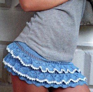 Яркая вязаная юбочка