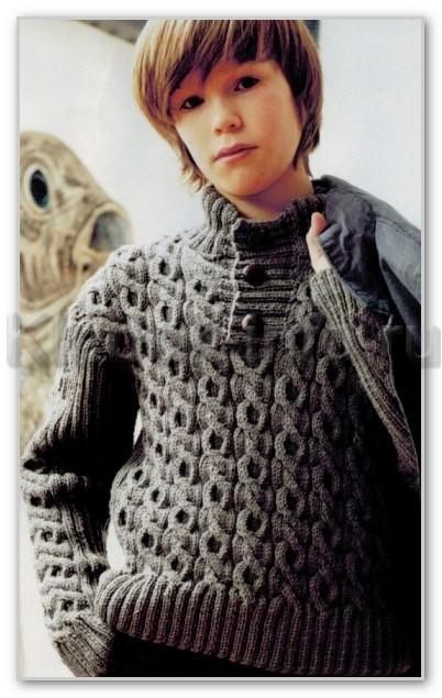 Однотонный джемпер с воротником-поло и рельефными жгутами для мальчика