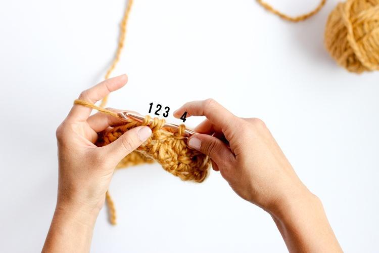 Как связать снуд крючком пощагово: шаг 5